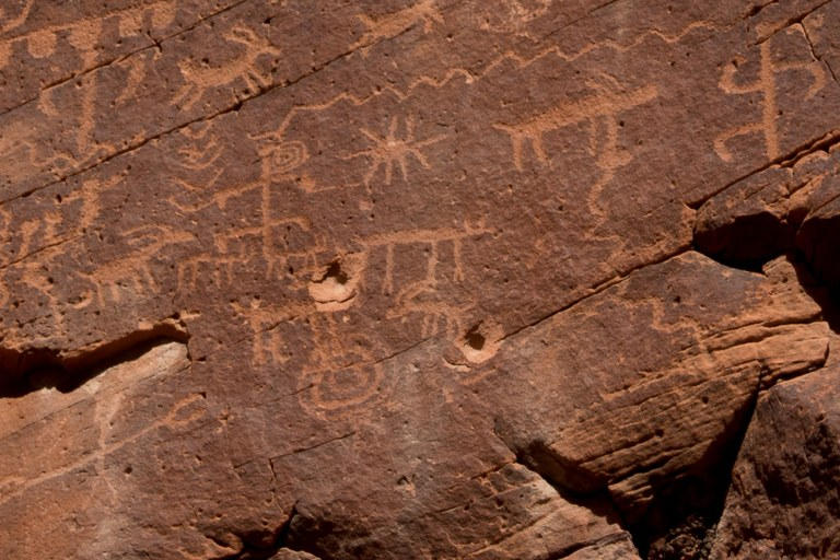 bullets-in-mud-wash-petroglyphs_zoomin_photo-by