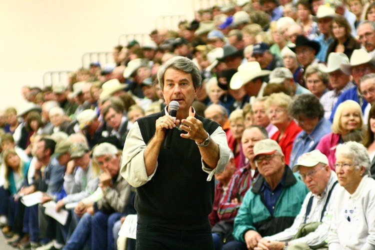 BLM Director Bob Abbey attends a public meeti