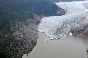 Retreating glaciers a sign of Alaska's major meltdown