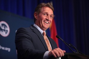 Arizona Sen. Jeff Flake's criticism of Trump wins him national prominence