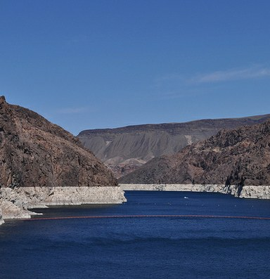 As Lake Mead sinks, states agree to more drastic water cuts