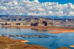 Climate change sinks Lake Powell, local rec industry