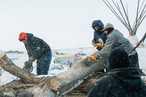 Pipeline protesters seek refuge from the cold