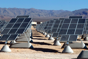Are Hillary Clinton's clean energy goals achievable?