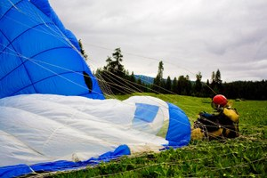 How smokejumpers prepare for wildfire season