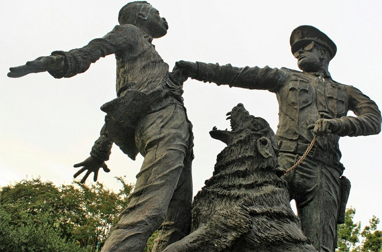 Kelly Ingram Park Dog Statue