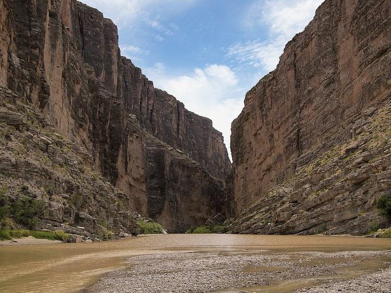 1024px-canyon-_rio_grande-_texas-jpeg