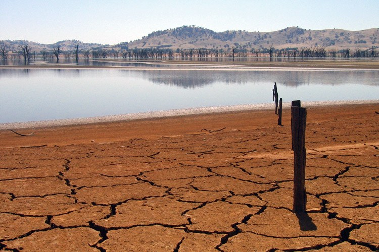 Lake Hume in Australia, at 4 percent capacity