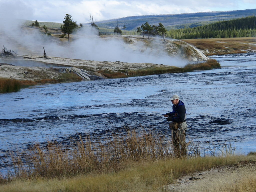 Note to politicians don t mess with fishing access in for Fly fishing yellowstone river