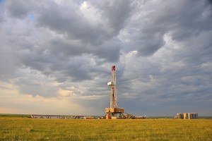 Report warns of illegal drilling on federal land