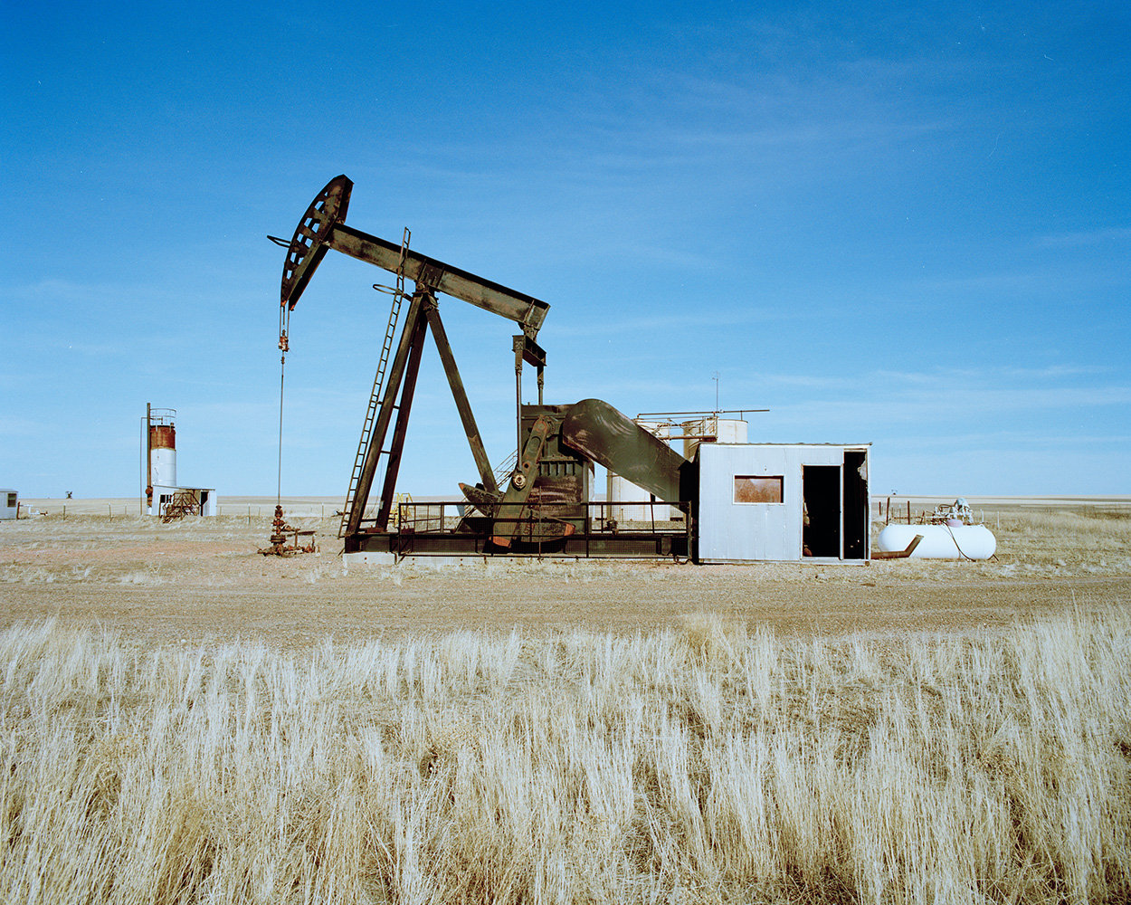 north dakota oil Booming oil production has brought a flood of toxic waste to north dakota  energy companies reported more than 1, 000 releases of oil and.