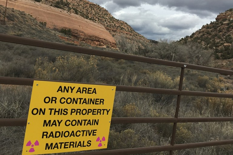 The 26,000 tons of radioactive waste under Lake Powell — High