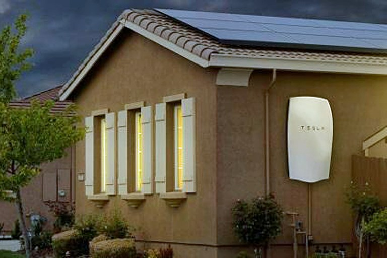 Tesla Wall Battery >> Tesla's new home battery: energy revolution or pure hype ...