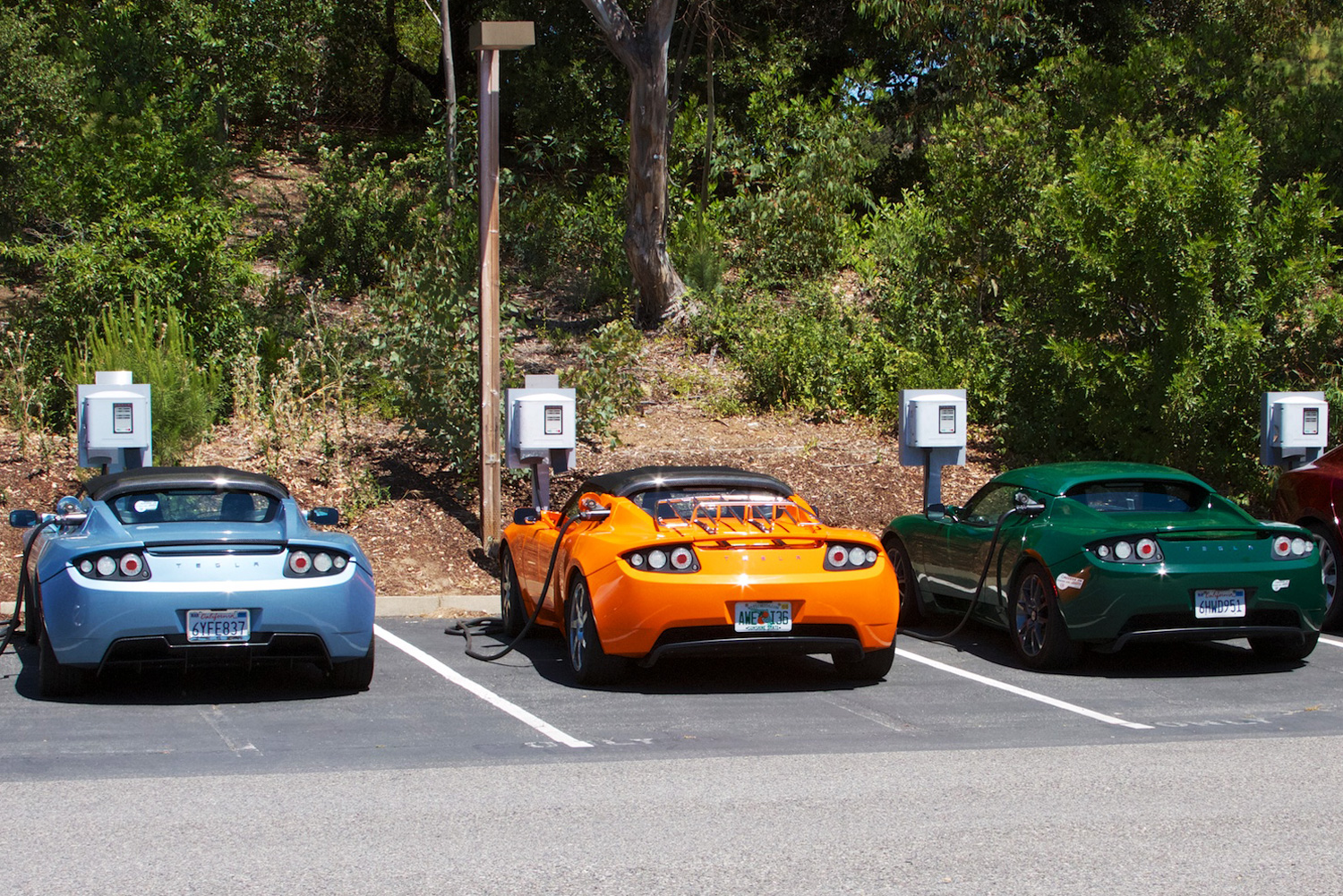 Podcast the cult of tesla high country news for Tesla motors palo alto