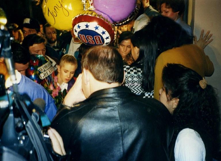 tonya_harding_returning_from_norway_1994-1-jpg