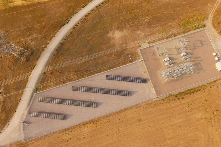 Solar gardens grow slowly out West