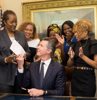 Western lawmakers lead a movement to protect natural hair