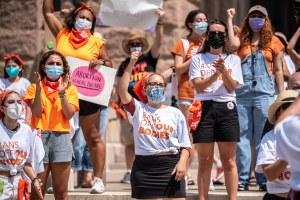 How Texas' restrictive abortion law puts pressure on clinics in Western states