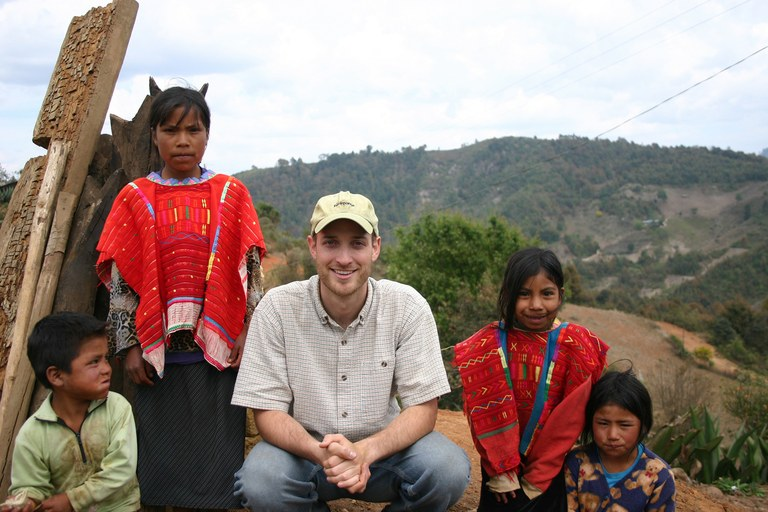 Author Seth Holmes with Triqui children in the mountains of Oaxaca, Mexico.