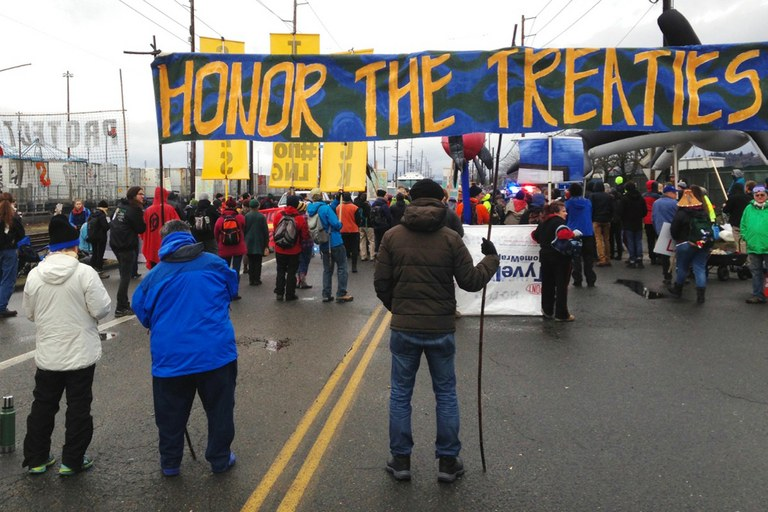 Northwest tribes aid a fight against fossil fuels
