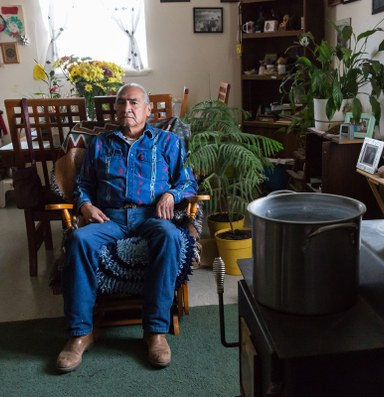 Paiute Tribe elders navigate a faltering health care system