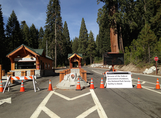 Kings Canyon National Park closed.