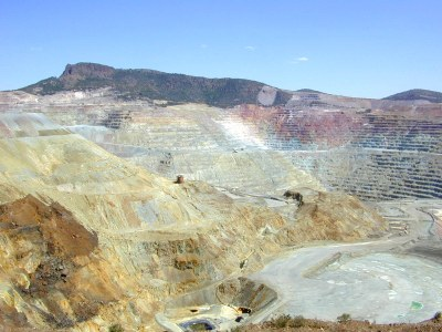 Chino_copper_mine.jpg