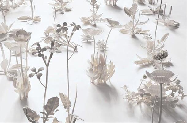 Kitchell Plastic flowers detail