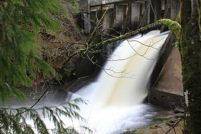 Lacimas Lake spill