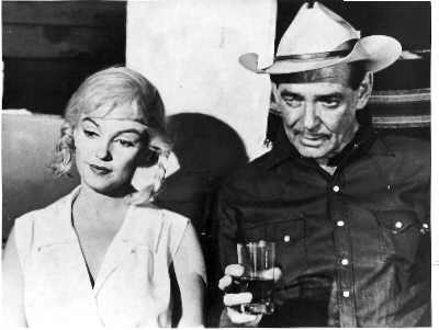 Marilyn Monroe and Clark Gable on the set of zThe Misfits.
