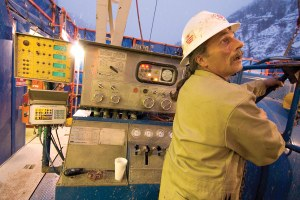 Disposable workers of the oil and gas fields