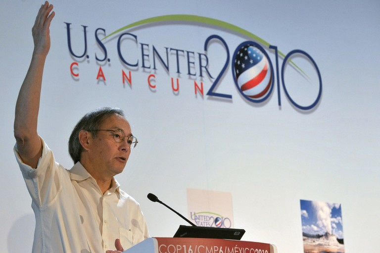 "Energy Secretary Steven Chu makes a presentation on ""Building a Sustainable Energy Future"" in December at the United Nations climate change conference in Cancún."