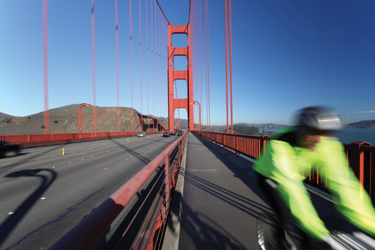 Bicyclist at the Golden Gate Bridge.