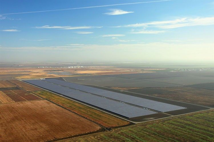The 20-megawatt Stroud Solar station stands amid farm fields in California's Central Valley.