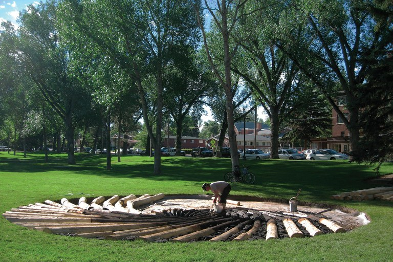 Artist Chris Drury at work on Carbon Sink on the University of Wyoming campus. Within months of its completion, the university had removed it, reportedly due to industry complaints to the State Legislature.