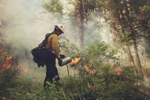 A California Hotshot photographs his life fighting wildfires