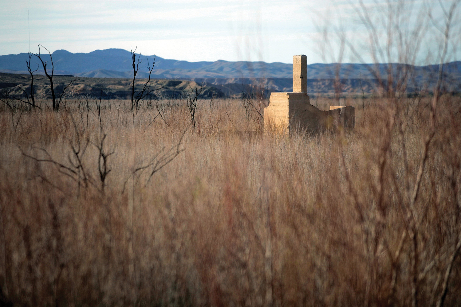 Lake Mead S Retreat Leaves Nevada Ghost Town High And Dry