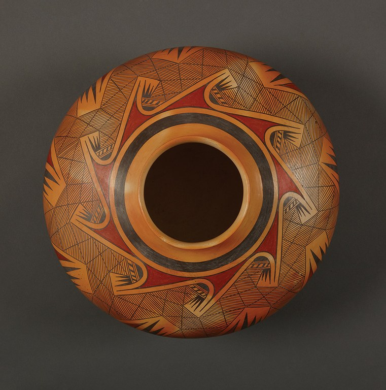 Migration Pattern, jar by Fannie Polacca Nampeyo, 1967.