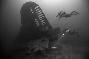 Divers explore national parks' underwater treasures