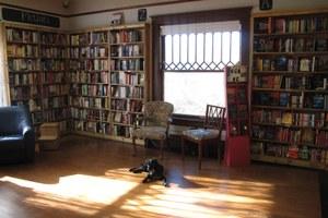 bookstore2-jpg