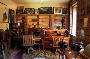 Masters of Dig: A tour of authorial abodes.