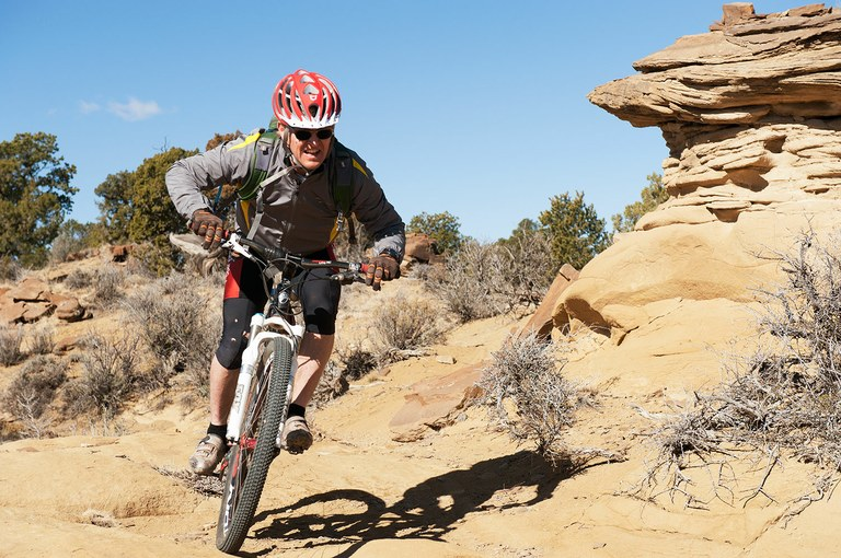 Cyclist and Gallup-area guidebook author Peter Tempest on the singletrack High Desert Trail outside Gallup, New Mexico.