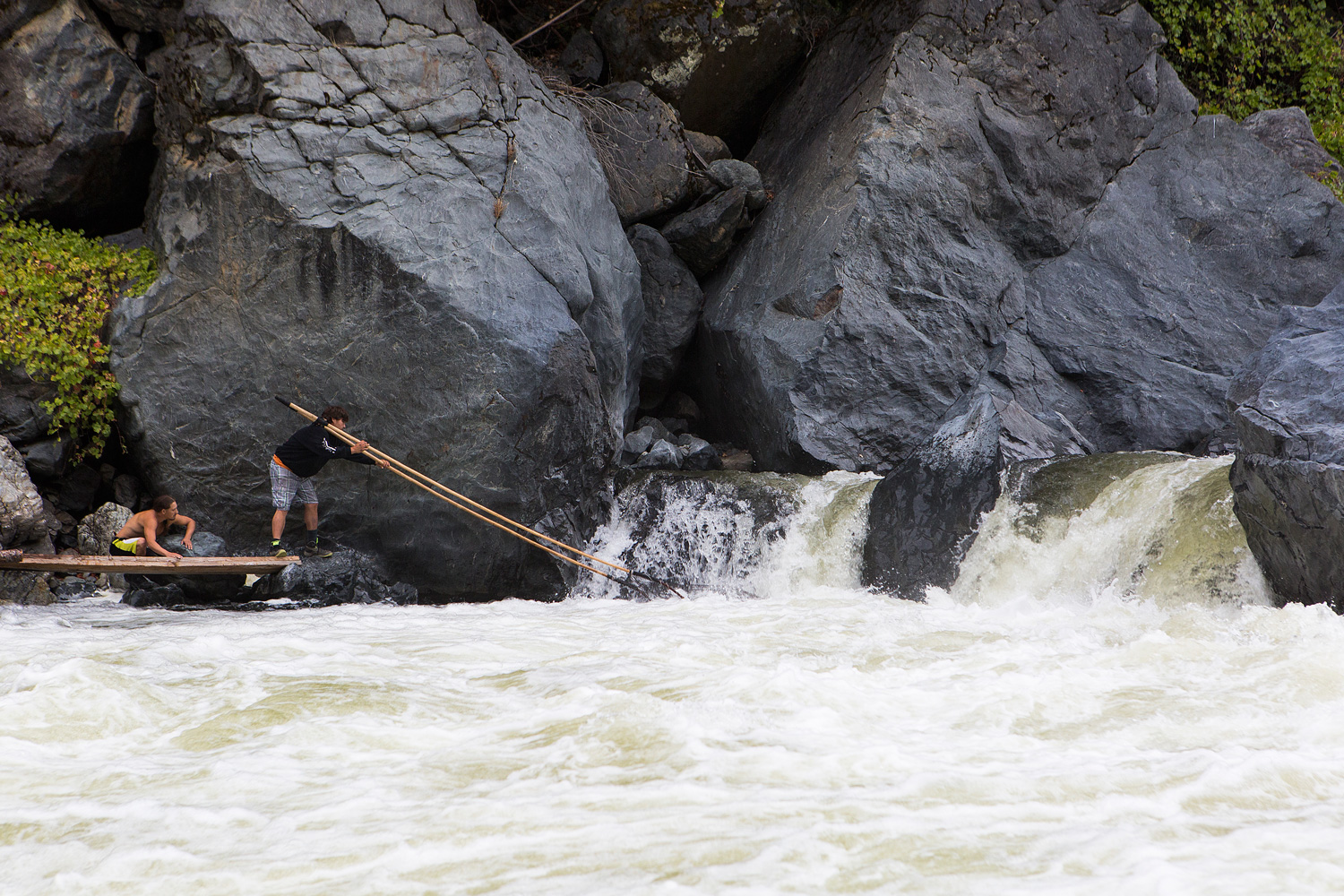 Tribal fishing on the klamath river high country news for Klamath river fishing