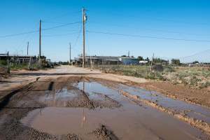 Who pays for infrastructure in Borderland colonias?