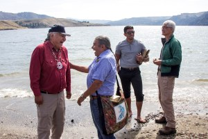 Salmon swim above the Grand Coulee Dam for first time in 80 years