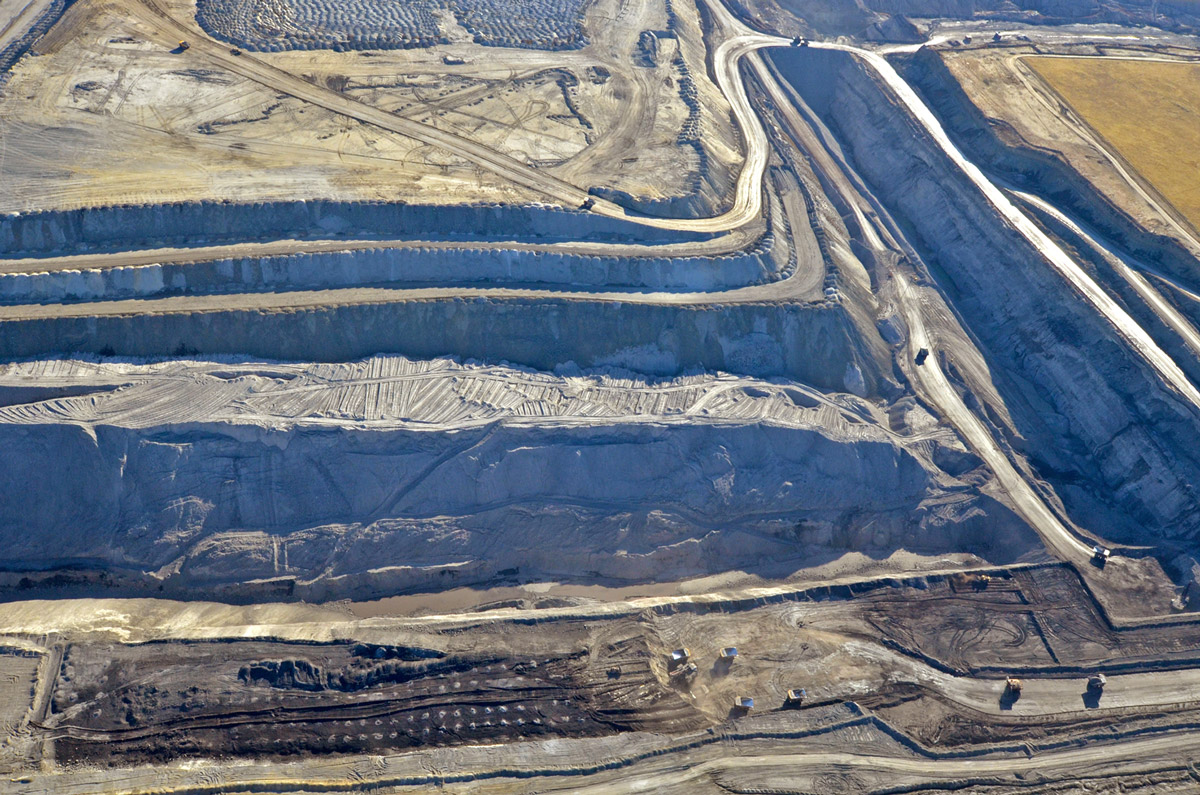 A massive strip mine scars the Wyoming portion of the Powder River Basin, which produces more than 40 percent of the country's coal. (Photo by Mark Olalde/Center for Public Integrity)